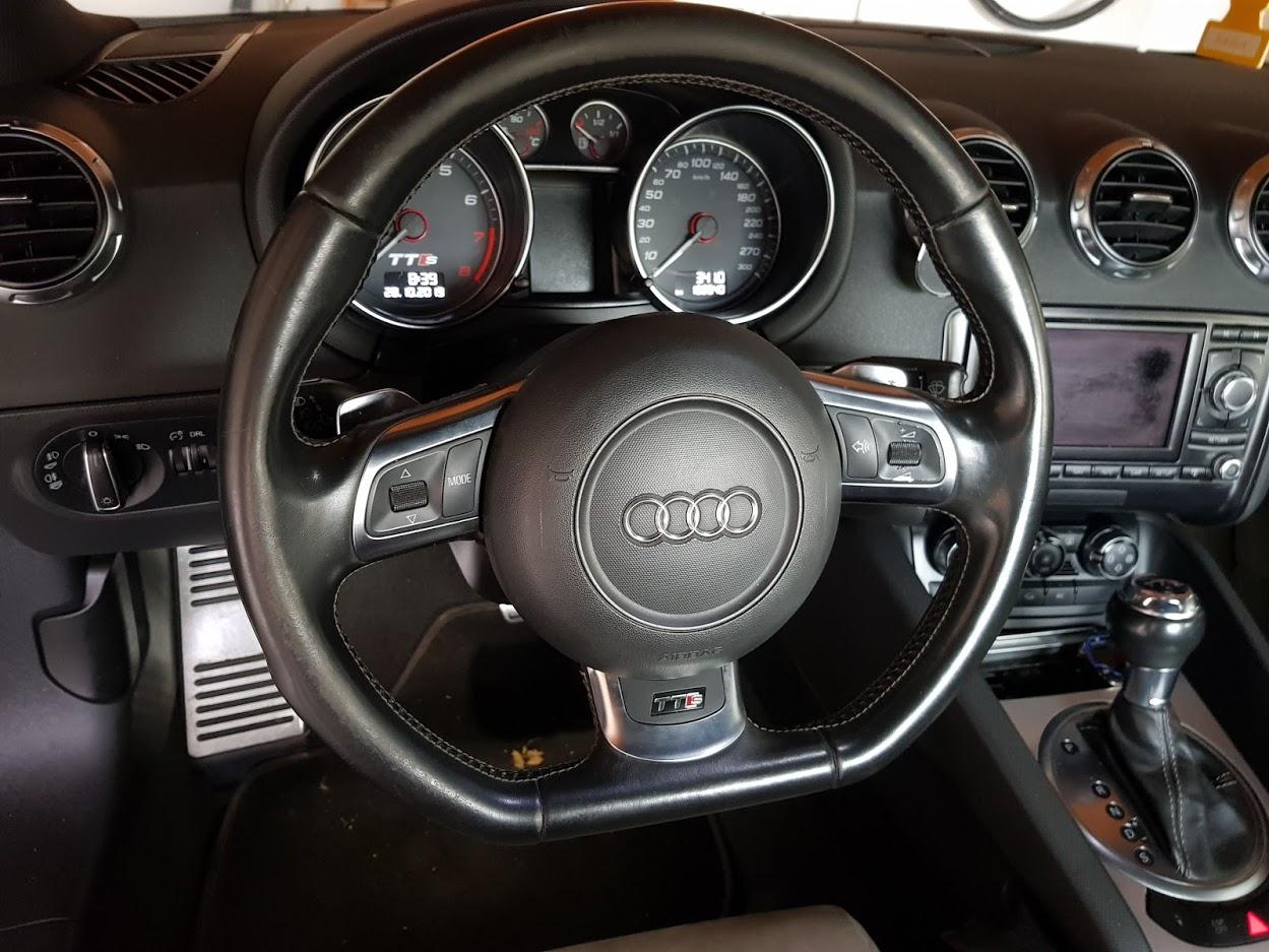 Kit Gentleman Leather + Aerografo Vs Volante Audi TTs  1